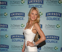 Anna Kournikova helped promote Smirnoff Source at a Nature Conservancy fundraiser.