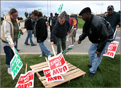 After just hours of being on strike, the UAW gave word to Chrysler workers that there had been a tentative agreement reached, allowing strikers to put down their signs and head home.