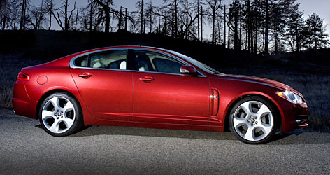 The powerful, gorgeous Jaguar XF sedan boasts inviting, innovative touches, and it even has adult-size knee and legroom in back.