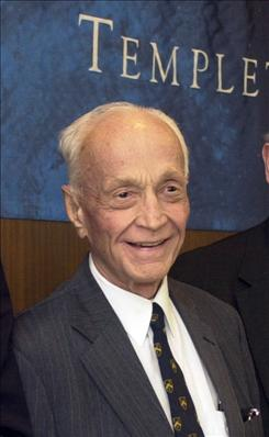 John Templeton, a global investor and philanthropist, died Tuesday from pneumonia at a hospital in the Bahamas.