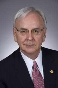 SunTrust CEO James Wells received the OK for a 75% increase in compensation in 2008.