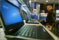 Slumping sales at electronics and office-supply chains gives Wal-Mart an opportunity in selling low-end laptops.