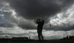 Recession-battered golf courses aren't just coping with lighter crowds. Some are edging perilously close to bankruptcy.