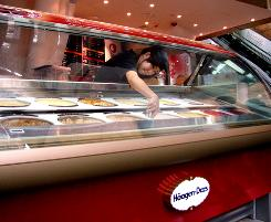 Haagen-Dazs offers fruit flavors that are favorites of consumers in Hong Kong, as well as special products such as moon cakes during the moon festival.