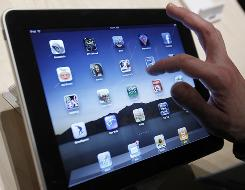The popularity of smartphones and tablet PCs are driving software developers to focus more on business apps.