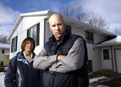 Steve and Tamara Gewecke are fighting to keep their home from foreclosure by challenging the bank to prove it has standing to foreclose.