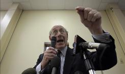 BP oil spill fund administrator Kenneth Feinberg addresses claimants during a town hall meeting in Grand Isle, La., on Jan. 10.