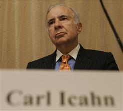 Financier Carl Icahn at a 2006 news conference.