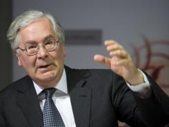 Mervyn King, governor of the Bank of England, speaks during the Bank's quarterly news conference in London in May 2009.