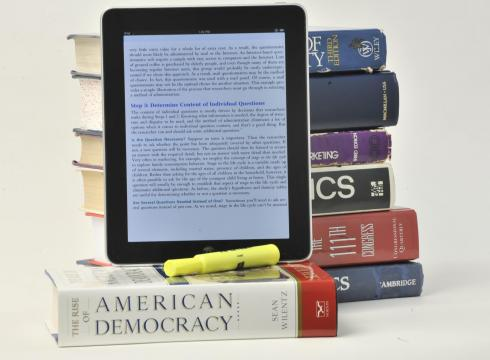 Some universities require students to use e-textbooks – USATODAY.com