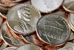 """A pile of new 2010 Lincoln """"Preservation of the Union"""" one-cent coins is seen after the unveiling ceremony at the Abraham Lincoln Presidential Library and Museum Feb. 11, 2010, in Springfield, Ill."""