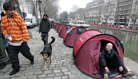 More than 100 pup tents for homeless people were set up recently on the banks of Paris' Saint-Martin canal to raise awareness of homelessness as France heads into the April 22, 2007 presidential elections.