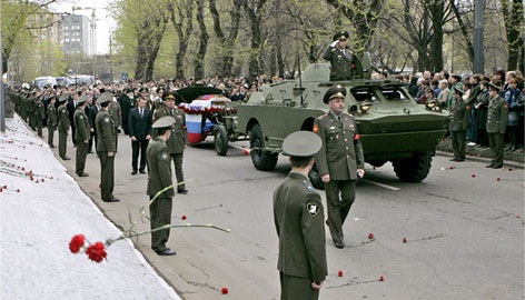 The funeral procession of Russian ex-president Boris Yeltsin, with the coffin carried on a gun carriage, passes near the historic Novodevichy Cemetery for burial in Moscow. Russia bade a grandiose farewell Wednesday to Boris Yeltsin, along with former world leaders who eagerly supported the former president through the traumatic era of post-Soviet reform.