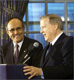 New York Yankees owner George Steinbrenner, right, is a major contributor to Republican presidential candidate Rudy Giuliani.