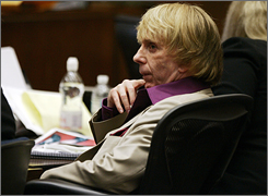 The toned-down appearance of Phil Spector, in court Wednesday, could be a plus for the defense, one law expert says.