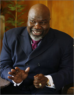 Bishop T.D. Jakes, the religious megastar with a nearly 30,000-member church in Dallas, will preach at an Obama inauguration event.