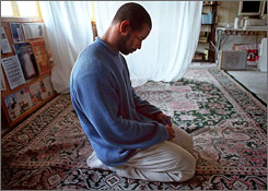 Frank Primus, a student at Stanford University in 2000, prayed at the Islamic Society room at the Old Union Building on the Stanford Campus in Palo Alto, Calif. The Muslim Students' Association has formed a task force to push for foot baths and prayer rooms at universities and colleges nationwide.