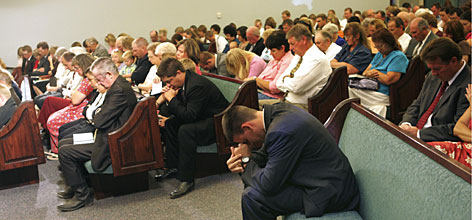 Several Utah communities gathered Sunday morning at the Utah Stake Center of the Church of Jesus Christ of Latter-day Saints in Huntington to pray for the miners and start a special fast.