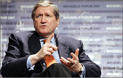 Former U.S. Ambassador Richard Holbrooke is one of several prominent advisers to current presidential candidates. He and former secretary of state Madeleine Albright have shared their foreign policy expertise with Sen. Hillary Clinton.