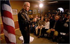 Former senator Fred Thompson gestures spoke on Friday to a gathering in Sioux City, Iowa.