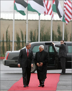 Abbas welcomes President Bush at the Muqataa, the Palestinian Authority Presidential Compound, in Ramallah on Thursday.