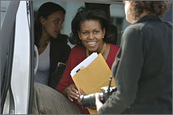 The wife of Democratic presidential candidate Barack Obama, Michelle, traveled to London last year to help raise funds.