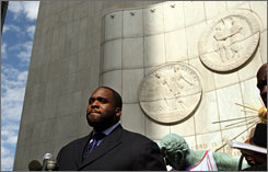 Detroit Mayor Kwame Kilpatrick at a news conference in downtown Detroit in September 2007. The embattled mayor, embroiled in a scandal involving reputedly lurid text messages he exchanged with an aide, pleaded with his contituents for forgiveness Monday.