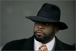 Detroit mayor Kwame Kilpatrick had a romantic relationship with his chief of staff.