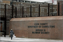 An investigation uncovered serious sanitation, violence and medical care issues at Chicago's Cook County Jail, the nation's largest single-site county jail, officials said.