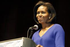 Michelle Obama, wife of Democratic presidential nominee Barack Obama, is expected to talk about her husband's plans to support working women and their families while strengthening the middle class in Virginia.