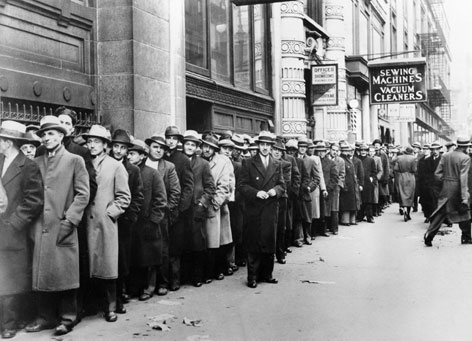 New York City in Novemeber 1933, about 5,000 people, many of whom started gathering by 5 a.m., line up outside the New York Labor Bureau, which housed the temporary employment relief office, to register for federal relief jobs.