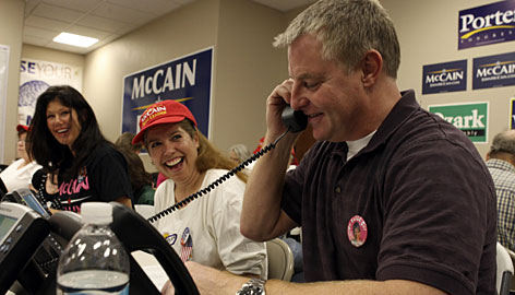 Chuck Heath, right, Sarah Palin?s brother, places a call in Henderson, Nev.