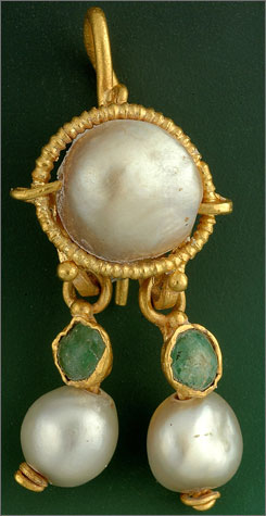 Archaeologists say they found a 2,000-year-old gold earring made around the time of Christ, between the first century B.C. and the beginning of the fourth century A.D.