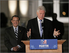 Former President Bill Clinton urged Georgians to not think a win in the run-off between Democrat Jim Martin and incumbent Sen. Saxby Chambliss is out of reach.