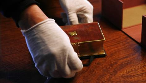 On January 20, 2009, President-elect Barack Obama will take the oath of office using the same Bible Lincoln used.