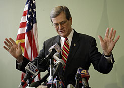 Trent Lott, former Republican senator from Mississippi, announces that he is going to retire from the Senate, ending a 35-year career in Congress, on Nov. 26, 2007, in Pascagoula, Miss.