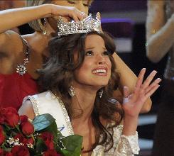 Miss America 2008 Kirsten Haglund crowns Miss America 2009 Katie Stam, of Indiana, in Las Vegas on Saturday night.
