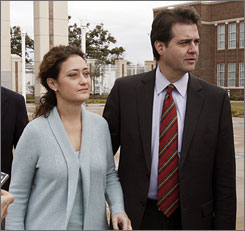 Mayor Brent Warr and his wife, Laura, pleaded not guilty Wednesday to federal charges they lied to get disaster assistance for their home.