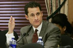"Rep. Anthony Weiner, D-N.Y., the bill's sponsor, argued that the COPS program, when it was in full force in the 1990s, was an ""unqualified success."""