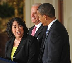 Appeals court Judge Sonia Sotomayor thanks President Obama, with Vice President Biden nearby, after addressing the press and onlookers at the White House on Tuesday.