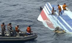 Brazilian navy divers recover debris from the missing Air France jet in the Atlantic Ocean on June 8. 