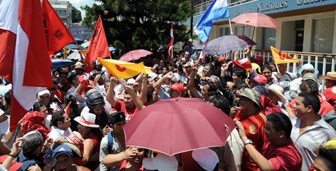 Zelaya supporters in Tegucigalpa