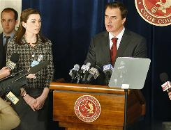 When a politician (Chris Noth) is involved in a sex scandal, his wife (Julianna Margulies) must return to work in the new CBS show The Good Wife.