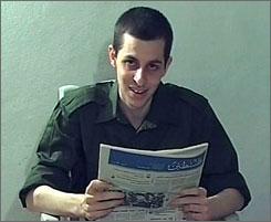 Israel releases 19 prisoners in exchange for video