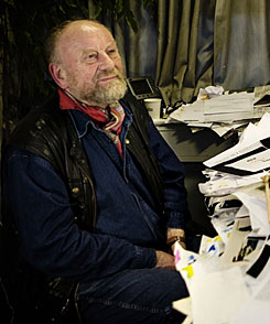 Police foiled an attempt to kill Danish cartoonist Kurt Westergaard, pictured in Aarhus, Denmark, on Oct 27, who drew cartoons depicting the Prophet Muhammad that sparked outrage in the Muslim world, the head of Denmark's intelligence service said Saturday.