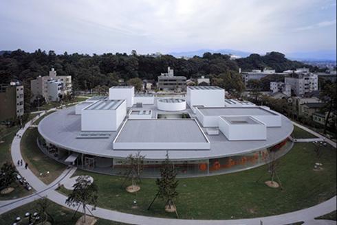 The 21st Century Museum of Contemporary Art in Kanazawa, Japan, designed by 2010 Pritzker Architecture Prize recipients Ryue Nishizawa and Kazuyo Sejima.