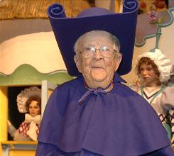"""Meinhardt Raabe played the Munchkin who pronounced the Wicked Witch """"most sincerely"""" dead."""