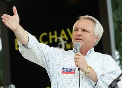 Tennessee gubernatorial candidate Lt. Gov. Ron Ramsey speaks at the Montgomery County Republican party picnic at Beachaven Winery on July 17 in Clarksville, Tenn.