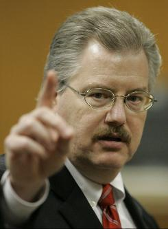 Calumet County District Attorney Ken Kratz gives closing arguments during a trial at the Calumet County Courthouse in Chilton, Wis., in March 2007.