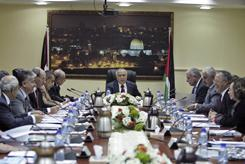 Palestinian Prime Minister Salam Fayyad dissolved his Cabinet in an emergency meeting on Monday.